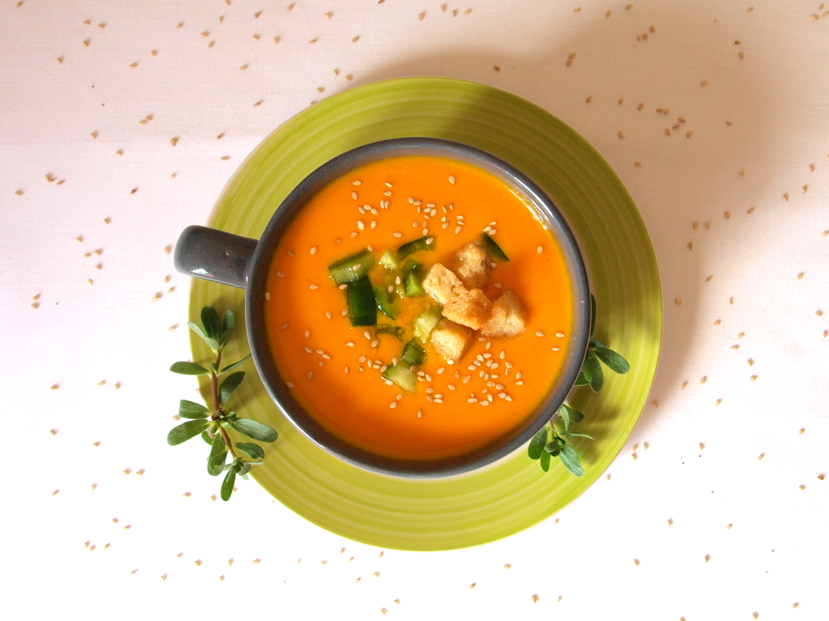 Receta vegana de gazpacho de zanahoria