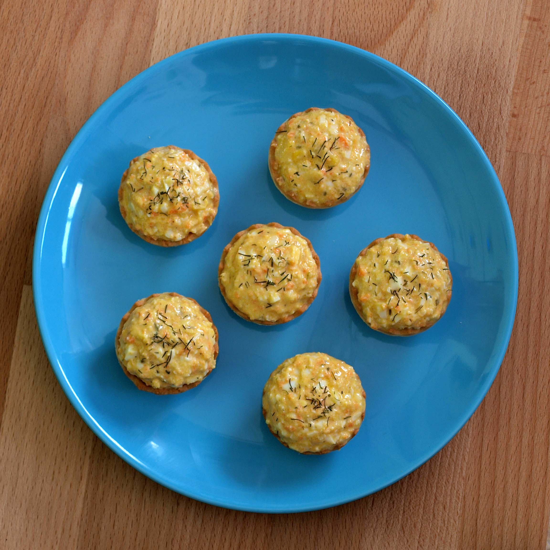 Receta vegetariana de tartaletas de ensaladilla de huevo