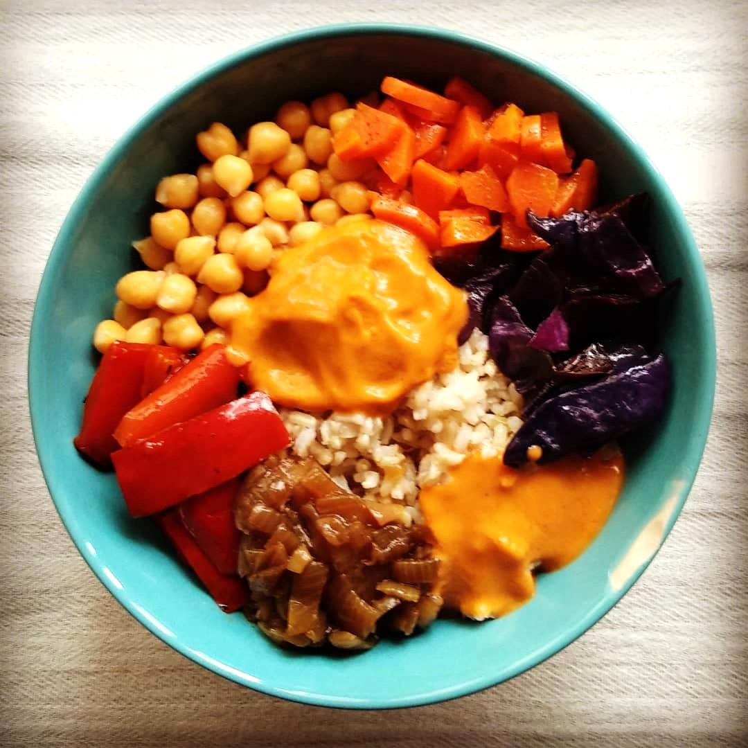 Receta vegana de chana masala con arroz y verduritas