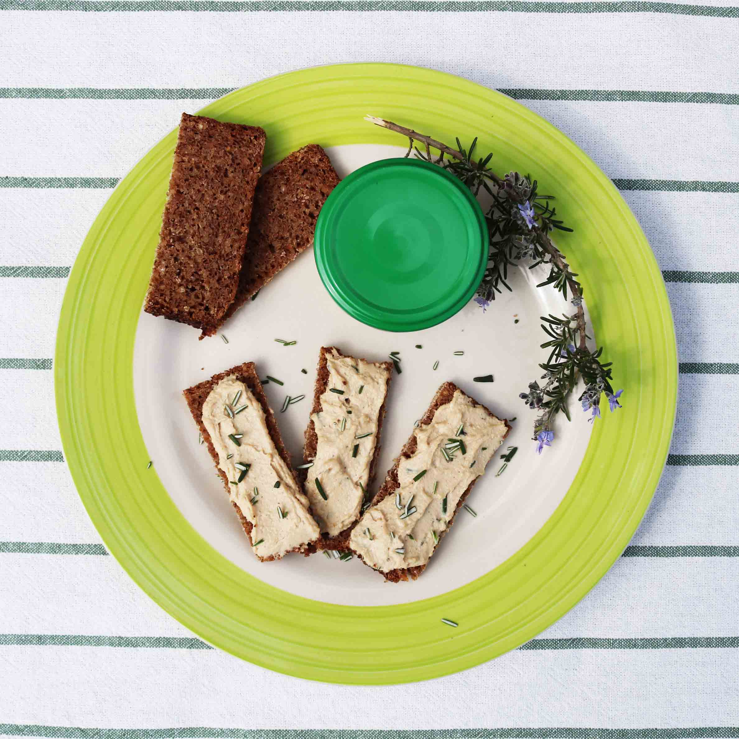 Receta vegana de paté de tofu con romero