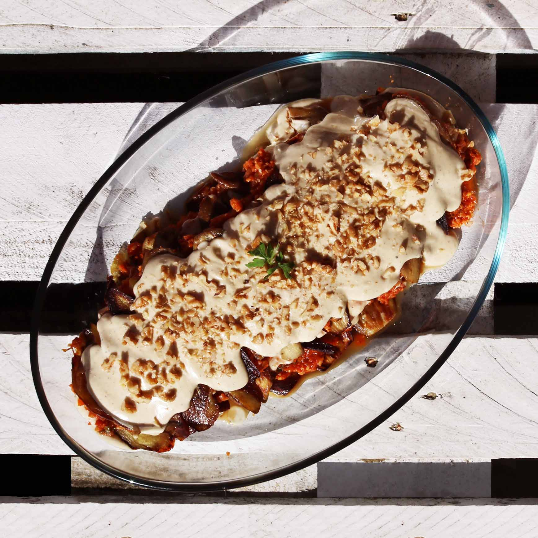 Receta vegana de musaka griega con bechamel sin gluten