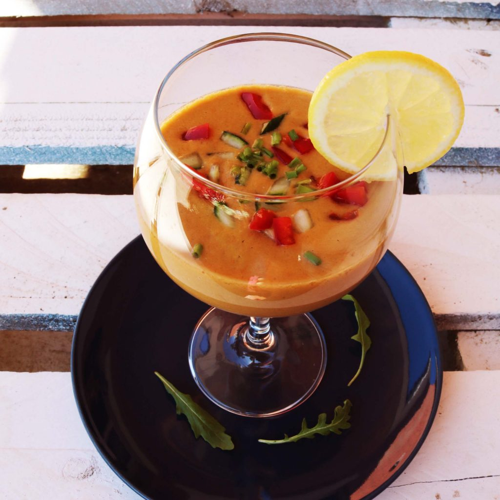 Receta crudivegana de gazpacho andaluz